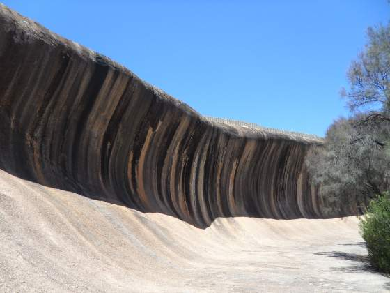 Wave Rock   view from left